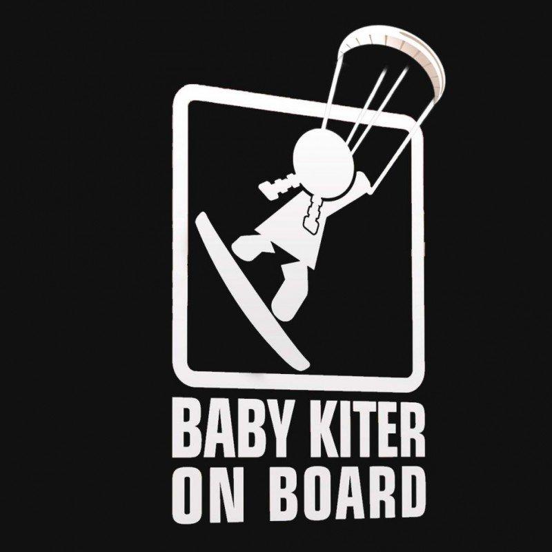 Бебе кайт сърфист в колата момиче