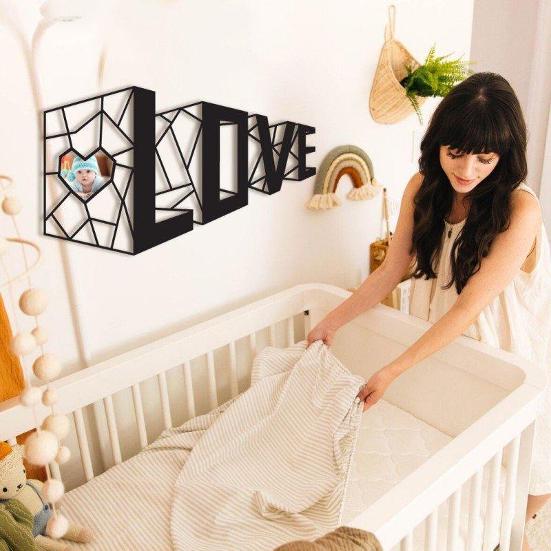 Стикер за стена Love  със снимка на дете